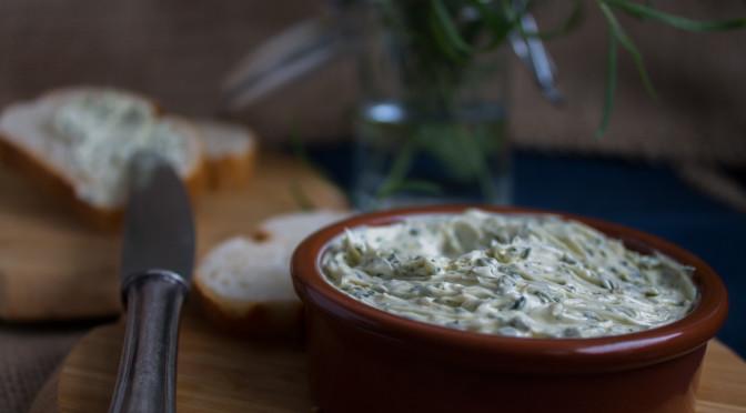 Estragon-Butter und wie man mit Kräutern über den Winter kommt