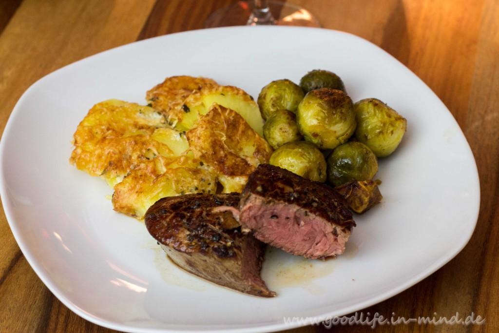 filet-Kartoffelgratin-Rosenkohl-Maronen