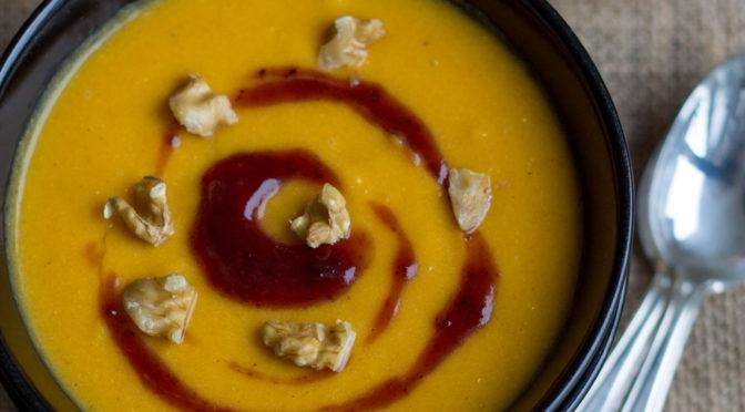 Süßkartoffel-Möhren-Ingwer-Suppe mit Pfiff