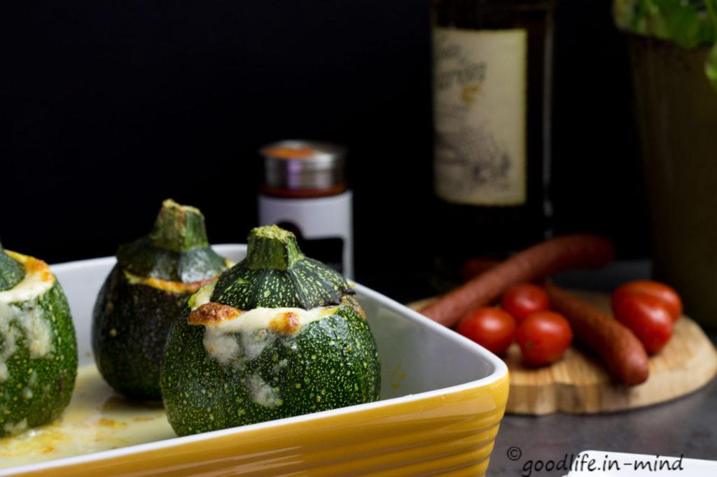 Gefüllte-Zucchini