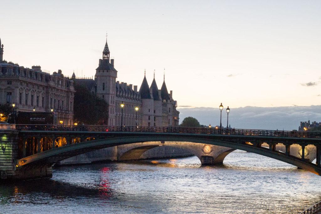 Blaue Stunde Seine Paris