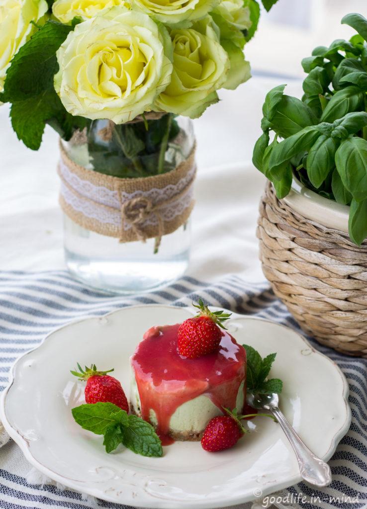 Cheesecake-Basilikum-Erdbeere-no-bake
