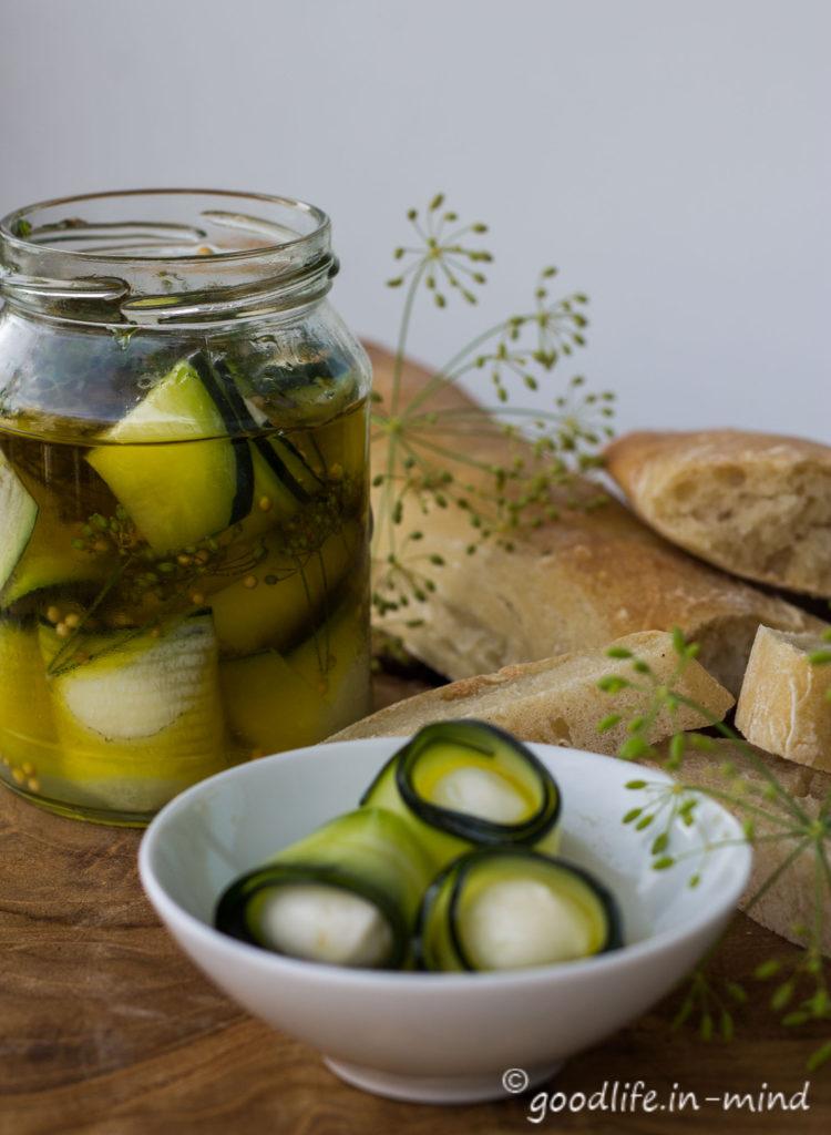 Zucchini-Mozzarella-eingelegt