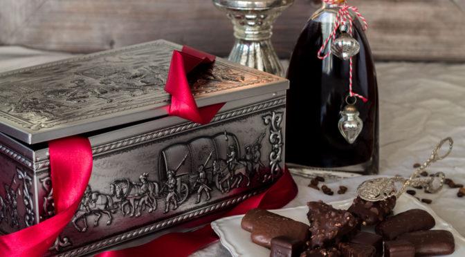 Aachener Schatzkiste aus dem Spezialitäten-Haus dazu ein Kaffeelikör *enthält Werbung