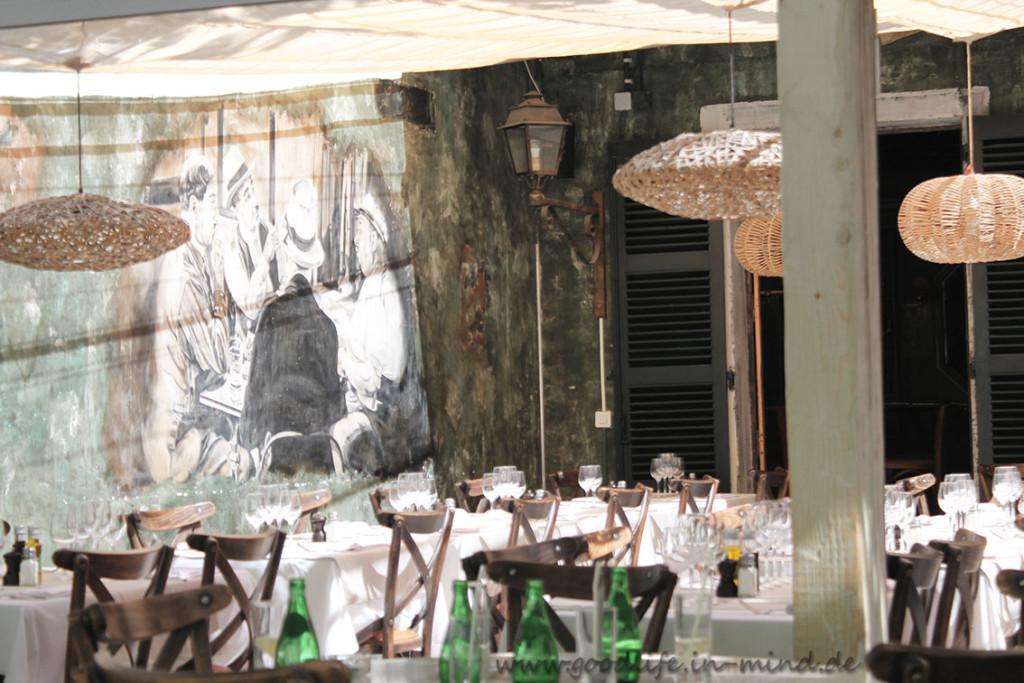 Cafe Tropez