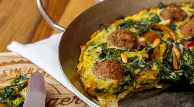 Mangold-Omelett mit Falafel