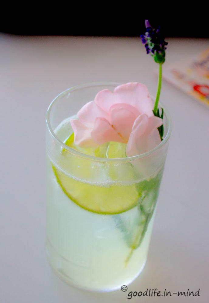 Lavendel-Gin-Fizz