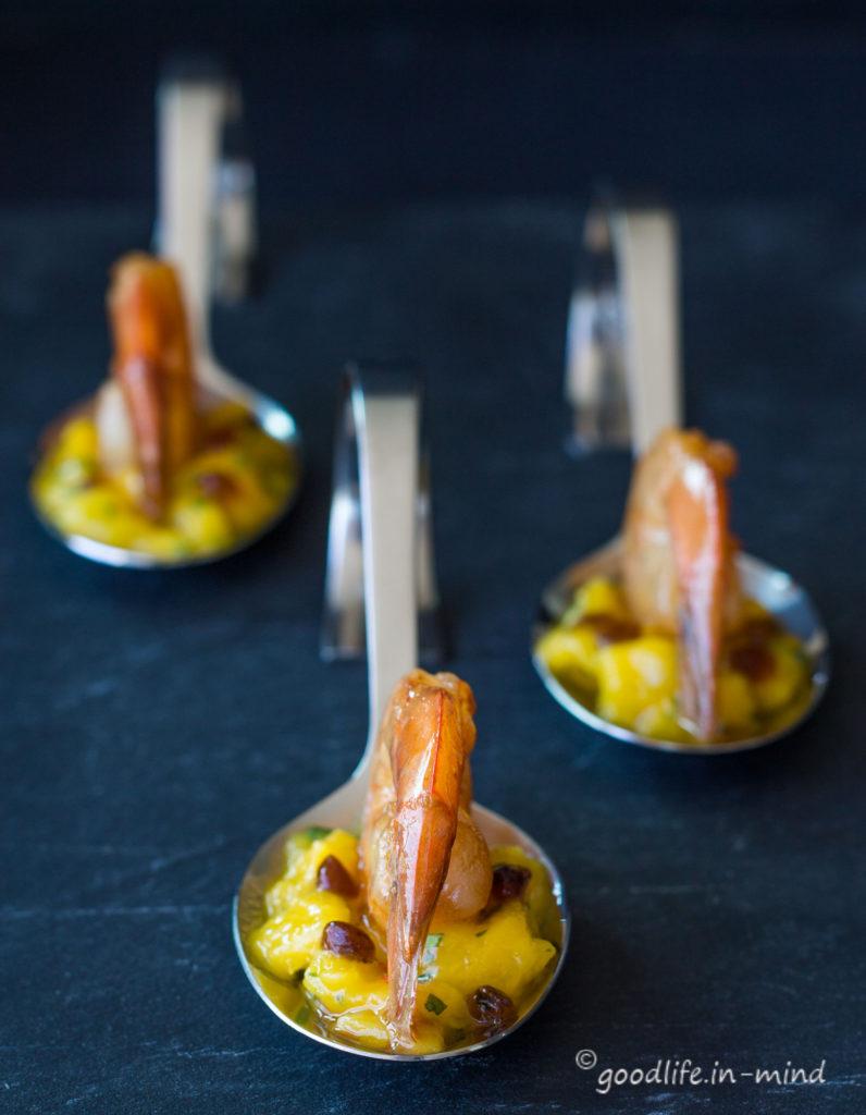 Garnelen-Balsamicokaviar auf Mangosalat