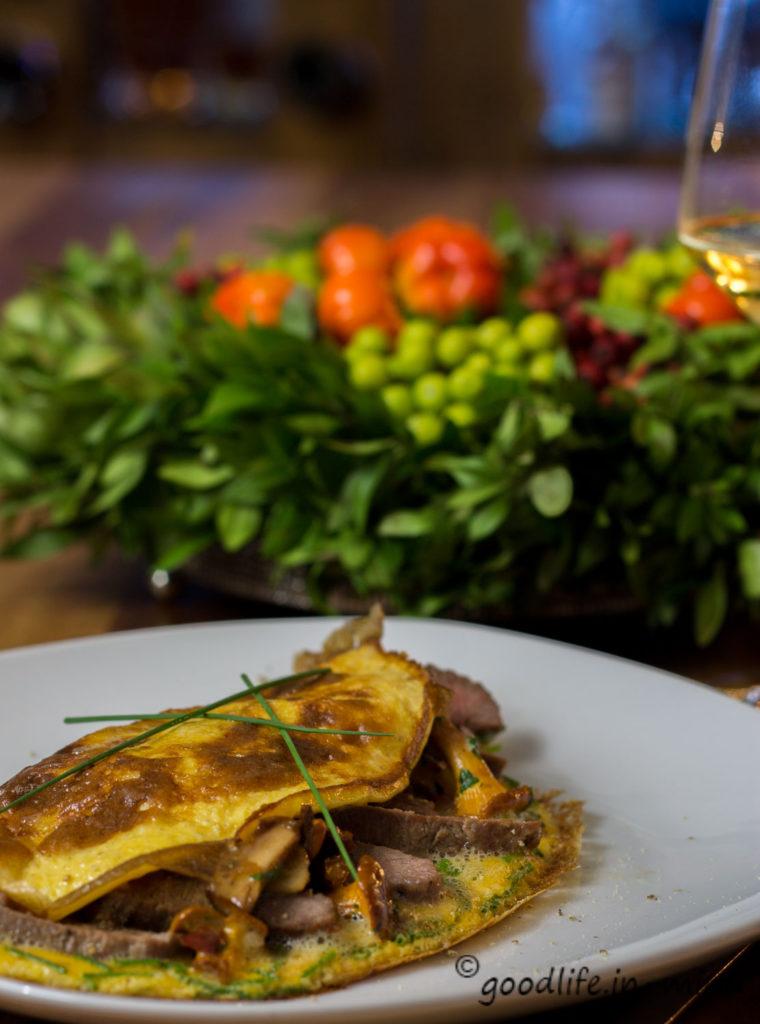 Omelett-mit-Pfifferlingen-Lammlachse